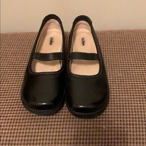 NWOT LL Bean Mary Jane Shoes 8.5 Wide